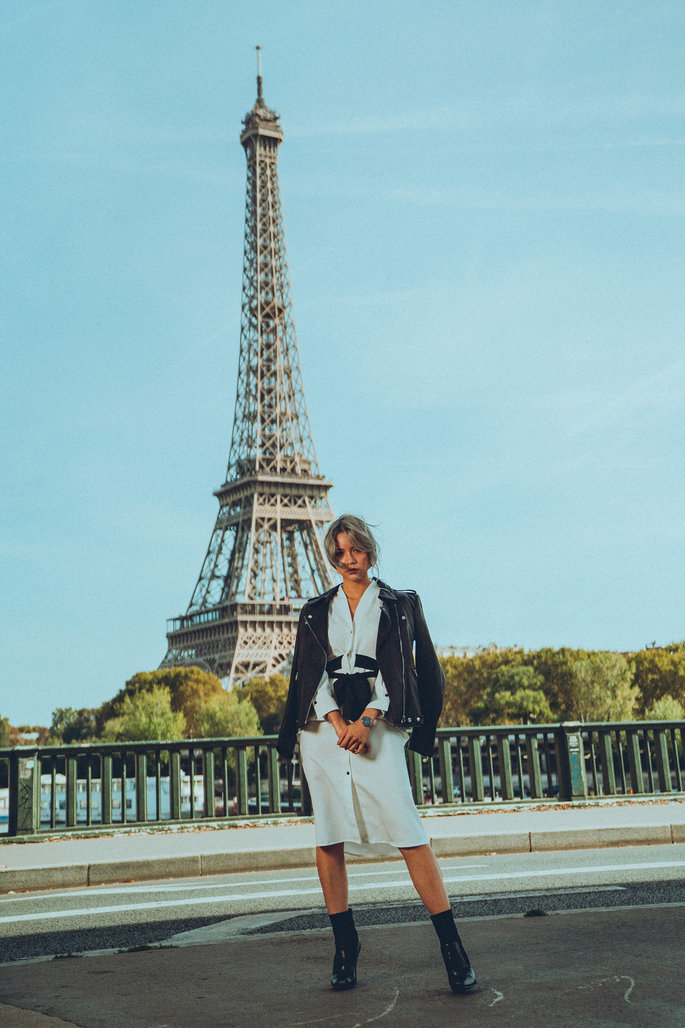 Traveling Solo to Paris France - White Button Up Shirt Dress - EIFFEL TOWER